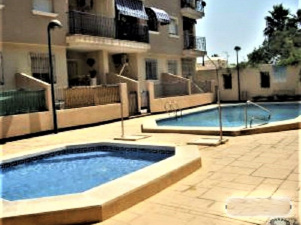 2 Bedroom 1 Bathroom Apartment in Los Alcazares