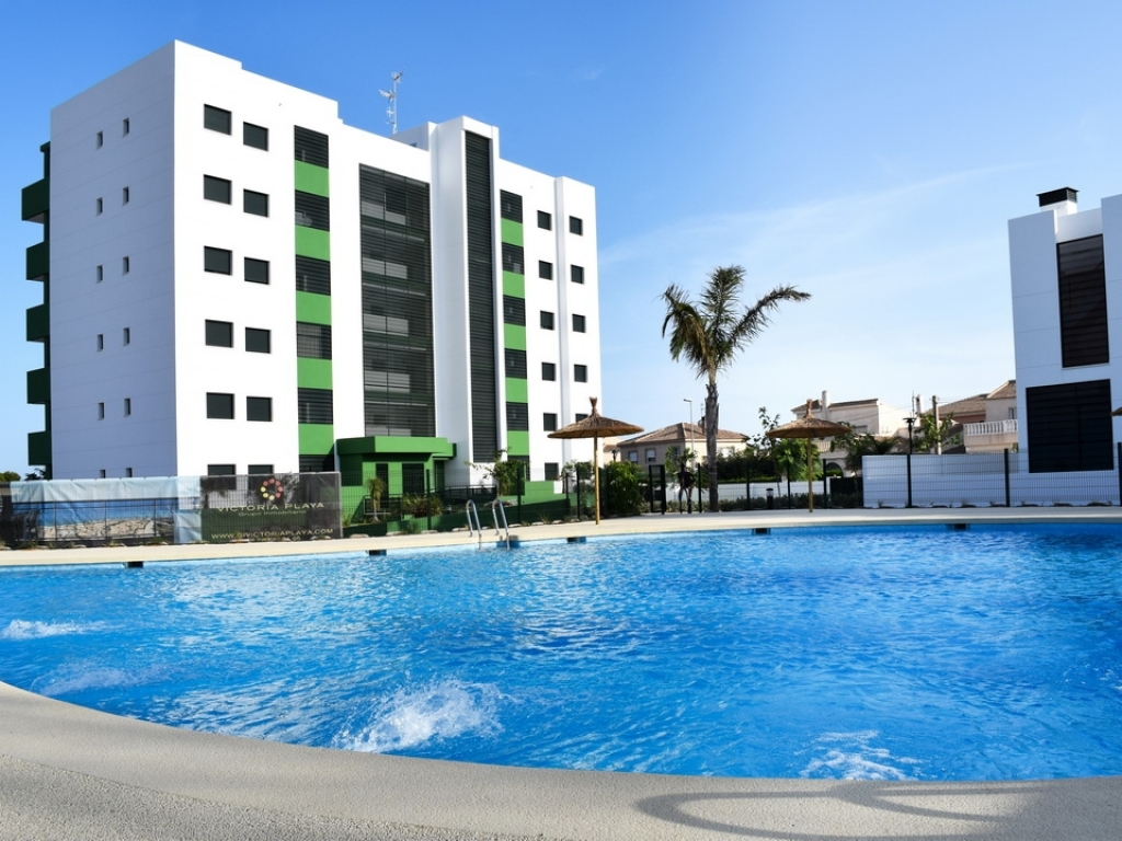 Key Ready 2 Bedroom 2 Bathroom Apartment in Mil Palmeras