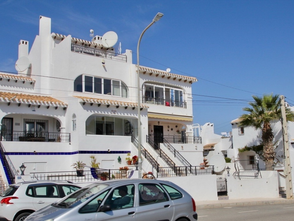 Verdemar III 2 bedrooms 1 bath penthouse apartment in Verdemar Villamartin
