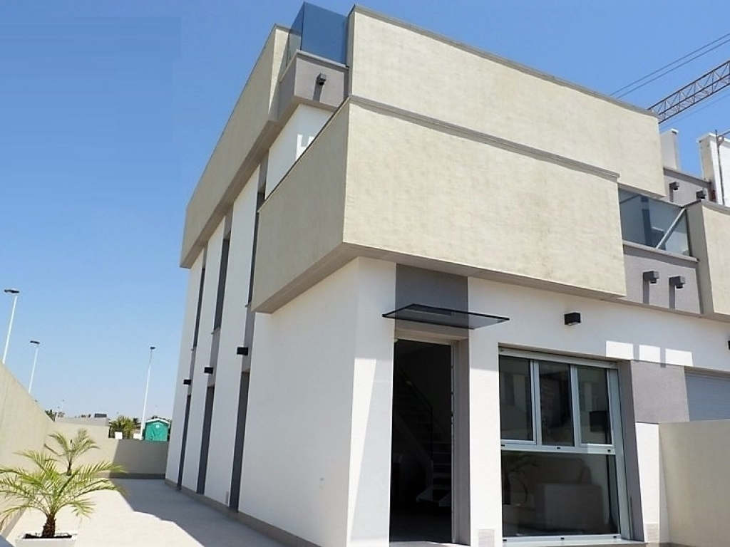 Lo-Pagan-new-build-town-house (1)